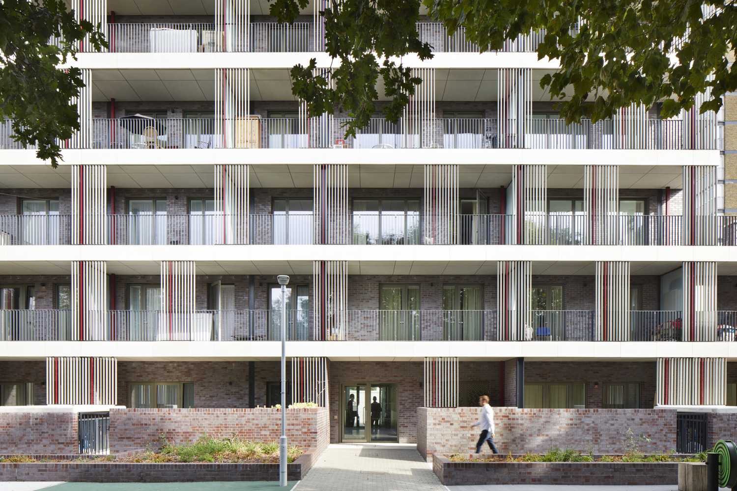Agar Grove Estate shortlisted for 'Residential Project of the Year' © Jack Hobhouse