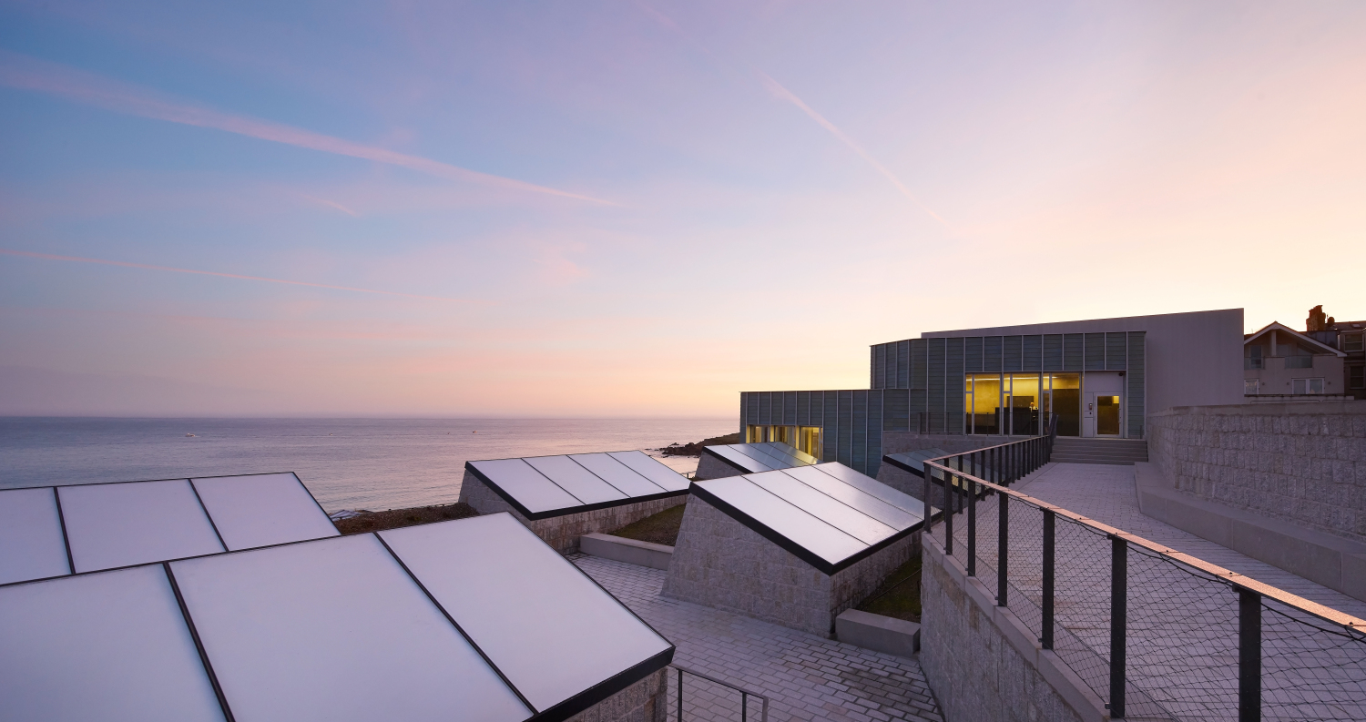 Six lightwells draw in the soft Cornish light in a controlled manner (c) Hufton + Crow